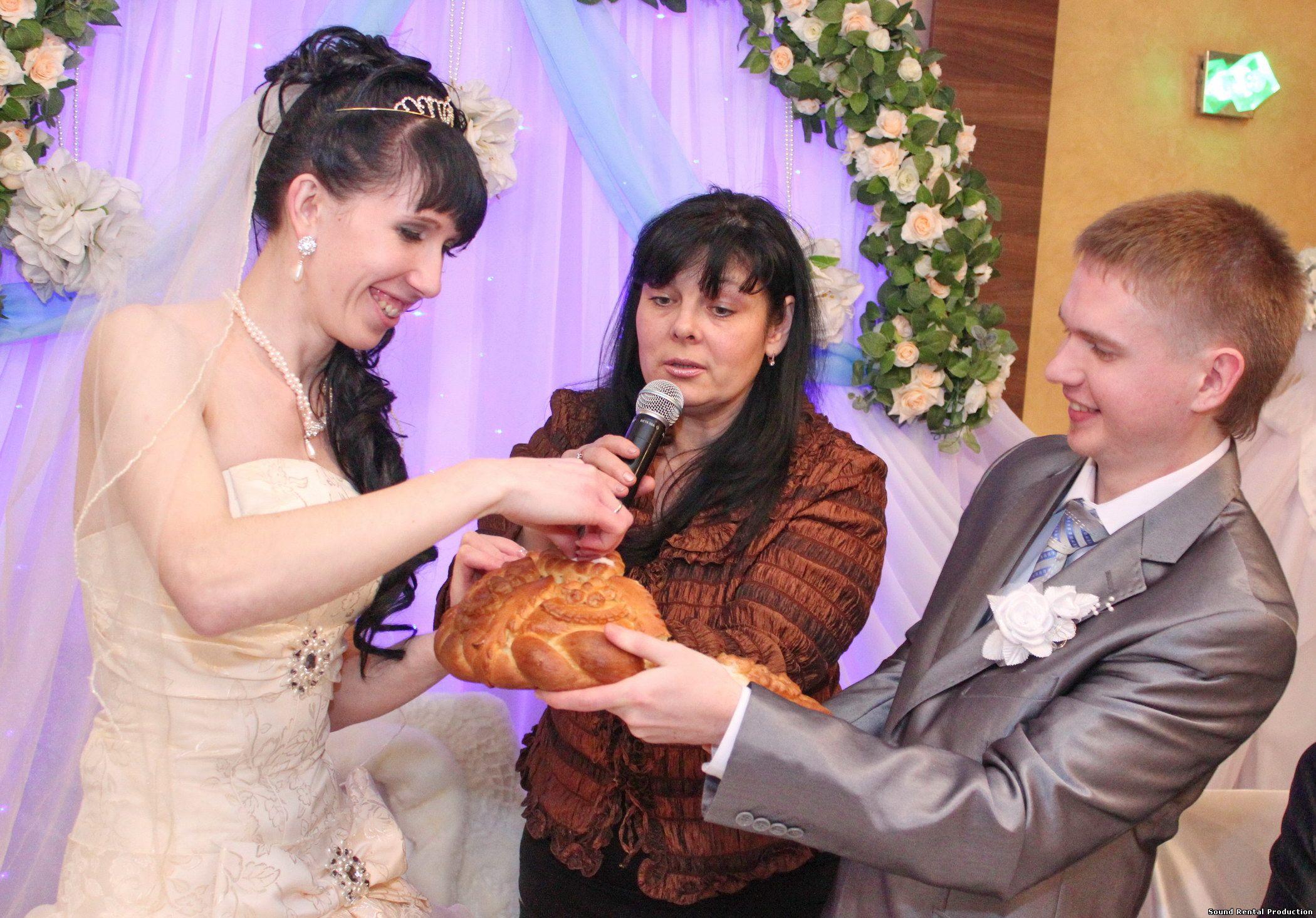 Сценарий на проведение свадьбы с ведущей